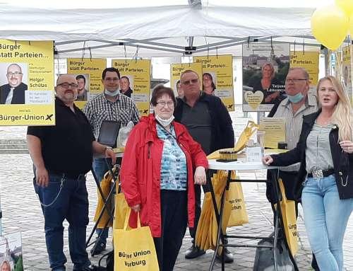 Wahlkampf in Warburg auf dem Neustadtmarktplatz