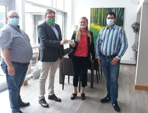 Warburg: Spendenübergabe im St. Johannesstift