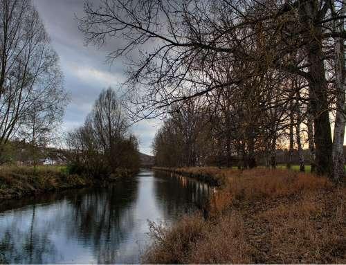 Spatenstich für den Flussbegegnungspunkt in der Diemelaue