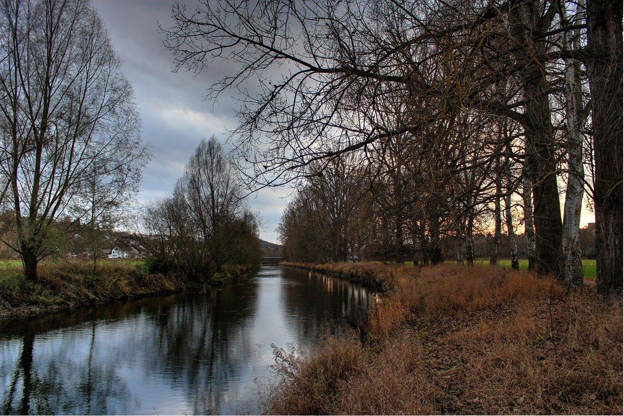 Flussbegegnungspunkt in der Diemelaue